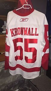 Red Wings Kronwall game used jersey autographed