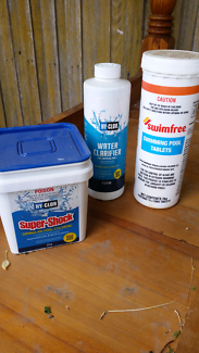 Swimming pool and spa water clarifier and chlorine