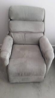 Electric recliner - lift chair Port Noarlunga Morphett Vale Area Preview