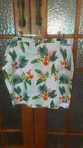 Women's tropical print skirt. Size 16 Coorparoo Brisbane South East Preview