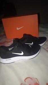 Women's Nike legend react shoes size 6
