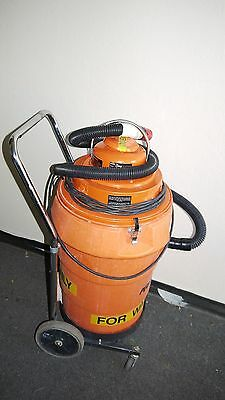 Pullman-holt Model 102 Orange Hepa Wet Vacuum 120vac 11.1a