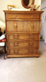 Bedroom suite quality American made by Drexel-great condition