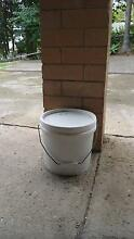 $8  Bucket of White Viscous Pottery Clay Gympie Gympie Area Preview