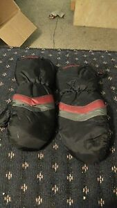 Kids mittens with zipper sides  London Ontario image 4