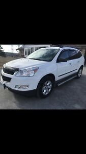 2010 Chevy Traverse AWD in excellent condition