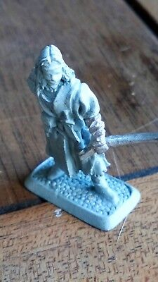 Mithril Miniatures Female bandit M194 Lord of the Rings