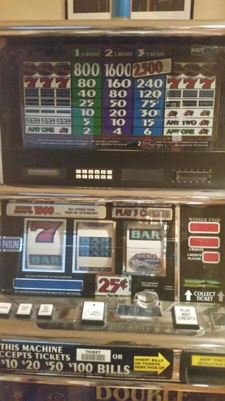 Double Mermaid Large standard slot machine