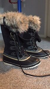 Sorel waterproof women's boots sz 9