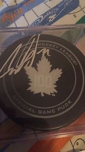 Fs Auston Matthews autographed puck with Coa