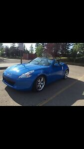 Your summer car!!  Nissan 370z roadster convertible - low km
