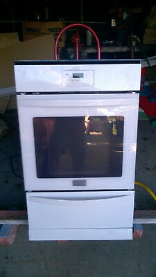 "Frigidaire FFGW2415QW 24""  Gas Single Wall Oven, in White"