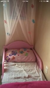 Toddler pink bed with matress and canopy