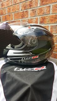 LS2 Helmet - FF350 - XL - Black and white