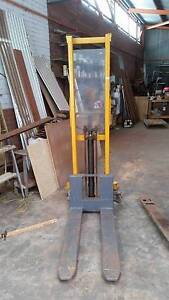 Hytsu hand pallet jack Albany Albany Area Preview