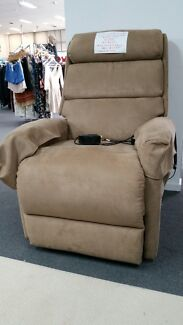 Electric Recliner Couch - GREAT CONDITION ! FREE delivery
