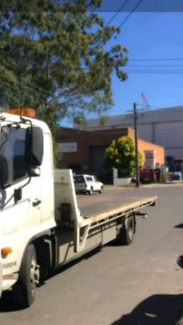 Tilt tray towing service 24 hrs