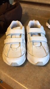 Ladies barely worn sneakers. Size 7-8
