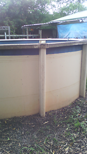 Pool, sand pump & ladder. Kallangur Pine Rivers Area Preview