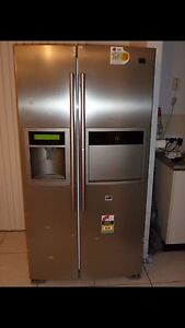 LG STAINLESS STEEL FRIDGE/FREEZER 600L WORKS GREAT Eight Mile Plains Brisbane South West Preview
