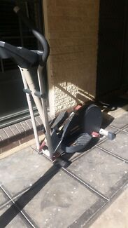 Proform 900 elliptical cross trainer Pooraka Salisbury Area Preview