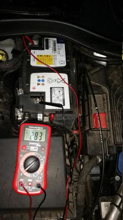 Batterie-geoeffnet-w246-20200715