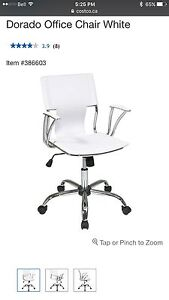 White office chair in excellent condition