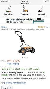 Fiskars push lawn mower