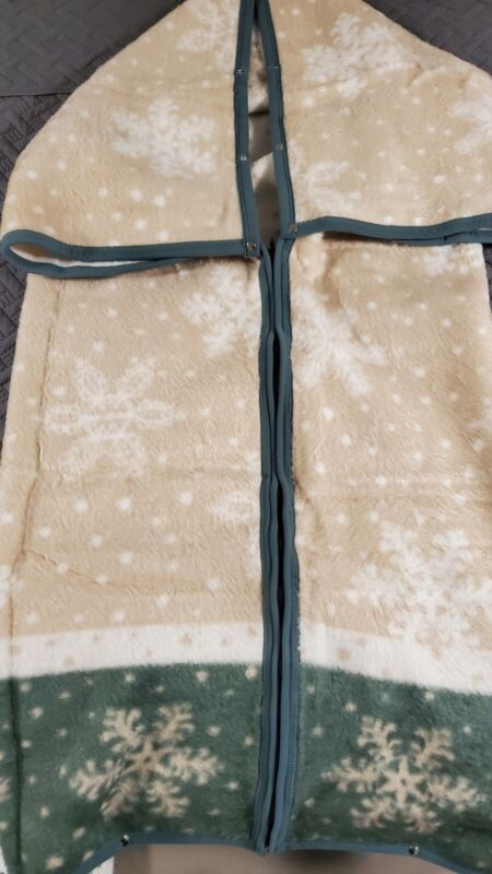 Biederlack Cuddle Wrap Blanket Snuggle Robe Zip Up Snap Tan White Green Snowflak