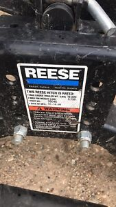 Reese 5th wheel hitch with rails