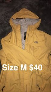 WOMANS NORTHFACE JACKET