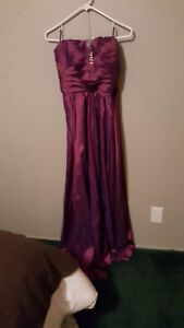 Purple strapless grad dress
