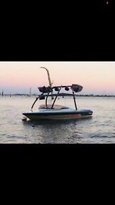 Ski/wake boat