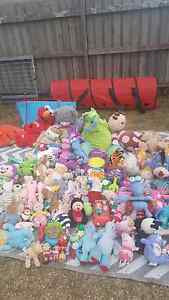 GARAGE SALE SUNDAY 11TH HORNINGSEA PARK!! LOTS OF XMAS PRESENTS!! Horningsea Park Liverpool Area Preview