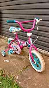 Girls bike with training wheels Orange Orange Area Preview