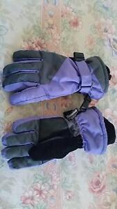 Ski gloves. Size 5/6. Glenorie The Hills District Preview