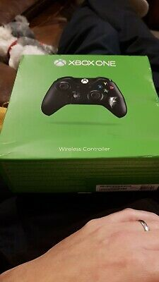 Microsoft Xbox One Wireless Controller - Black Boxed