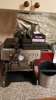 Breville Coffee Machine with Inbuilt Grinder - Breville BES860