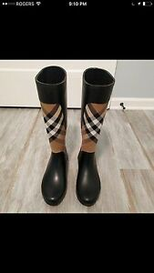 Burberry boot size 7