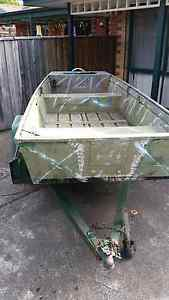 Aluminum  punt / flat bottom tinny  with box trailer Seaholme Hobsons Bay Area Preview