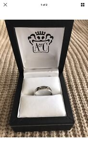 Angus & Coote Men's wedding band