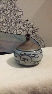 Japanese lidded pot Wentworth Falls Blue Mountains Preview