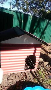 FREE metal dog kennel (needs some love) Waterfall Sutherland Area Preview