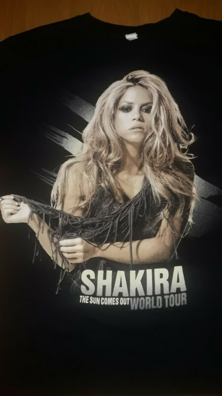 "Shakira 2010 World Tour Shirt Size L ""When The Sun Comes Out"""