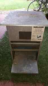 10 kg capacity automatic Chicken feeder Mango Hill Pine Rivers Area Preview