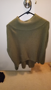 Dark green baggy jumper Southport Gold Coast City Preview