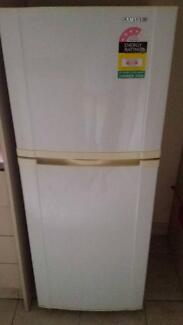 Free Fridge Samsung - Works perfectly Ashfield Ashfield Area Preview