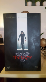 The Crow collectable figure