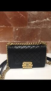 Authenthic Chanel boy small size gold hardware