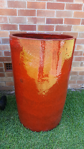 Large Metal Feature Pot Newcastle Newcastle Area Preview